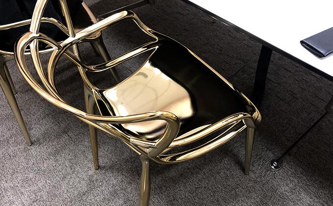 金の椅子を手に入れた