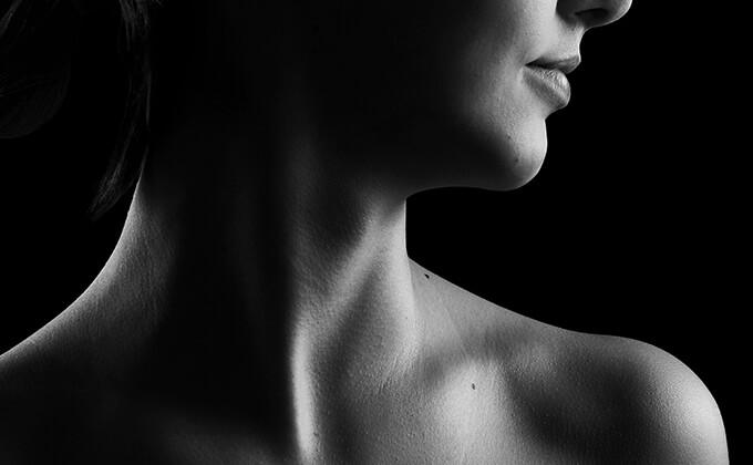 自分の首などの肌で温める